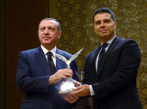 Cagan. photo with Turkey pres2